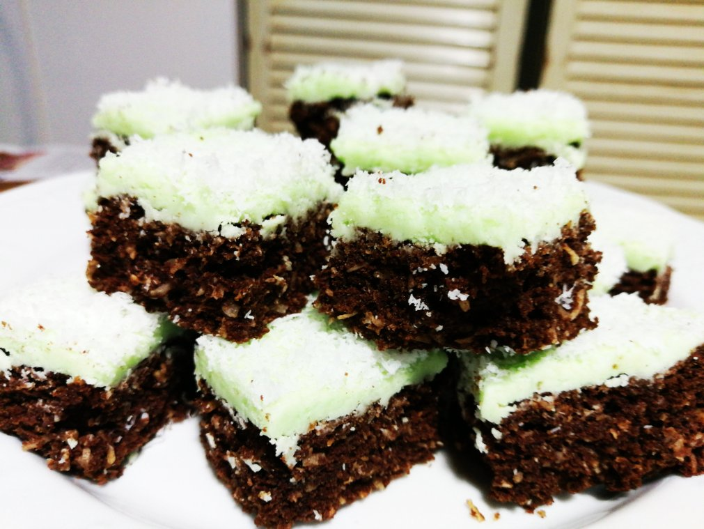 Baking: Choc-Mint Slice